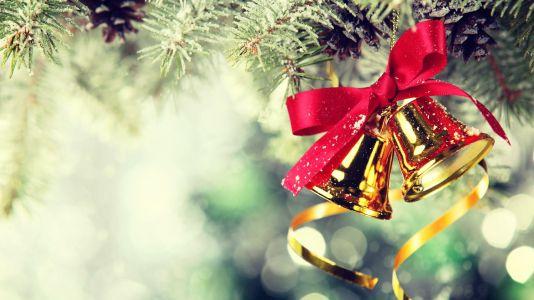 Christmas-Jingle-Bells-HD-Wallpaper-on-The-Christmas-Tree