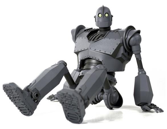 902331-iron-giant-deluxe-001